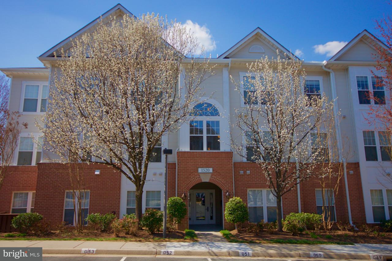 1520 NORTH POINT DRIVE, #103, Reston, VA 20194